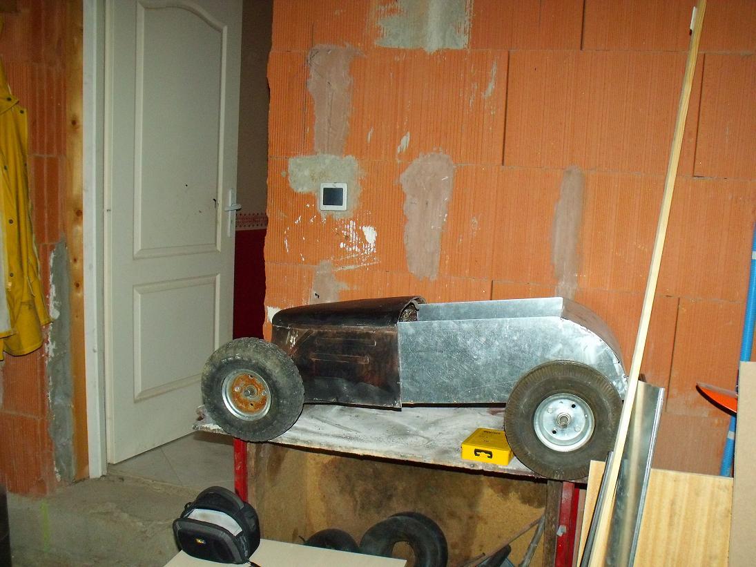 hot rod pour enfant et voiture a pedale voitures. Black Bedroom Furniture Sets. Home Design Ideas