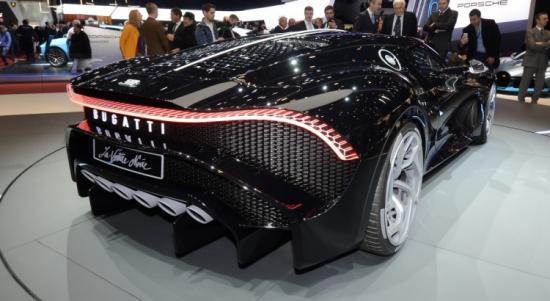 Bugatti La Voiture Noire arrière.jpg