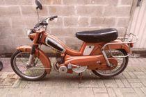 Mobylette Orange.jpg