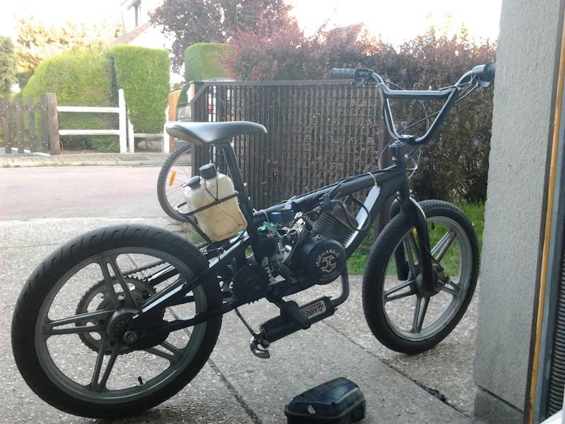 construction d 39 un bmx mu par moteur de 103 peugeot scooter et mobylette forum autocadre. Black Bedroom Furniture Sets. Home Design Ideas